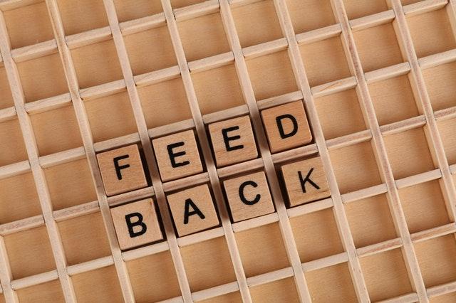 feedback in dezvoltarea afacerii
